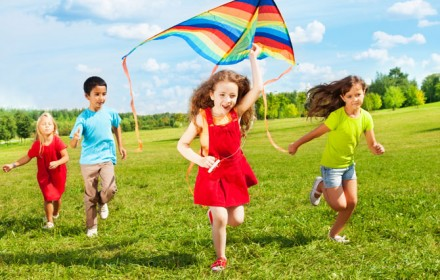 Doctor Dina Health Advice for Kids - Doctor Dina Health Advice for Kids - Speech and Language Outside