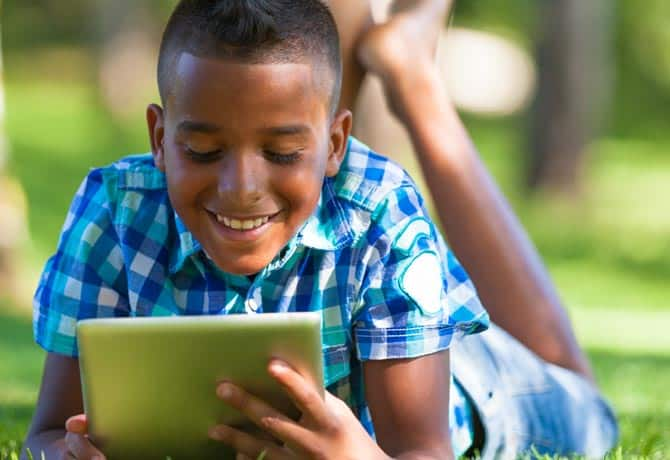 Screen Time and your Kids – How Much Is Too Much?