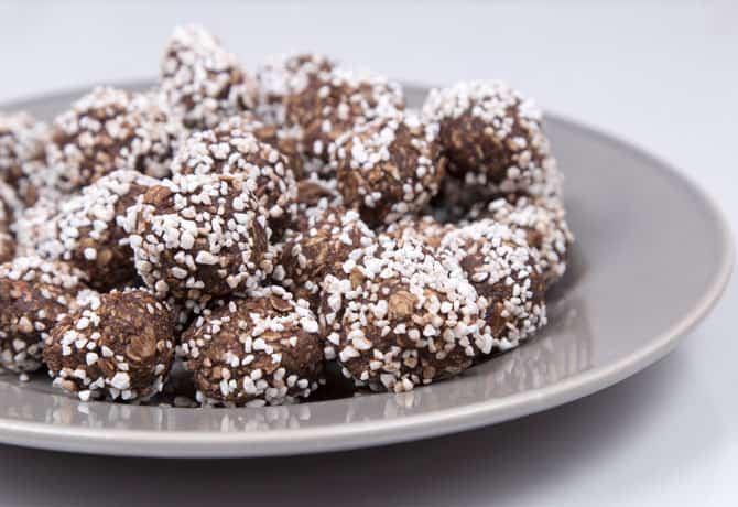 Healthy Protein Snacks – Protein Power Balls