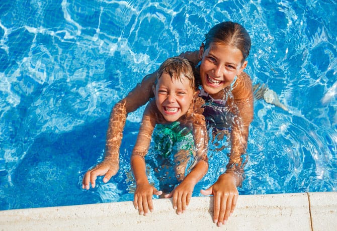 Dunk-A-Baby – Swimming Classes For Kids – Get In There!
