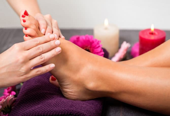 Getting A Pedicure? How To Avoid Fungus On Feet And Infections From An Ingrowing Toe Nail