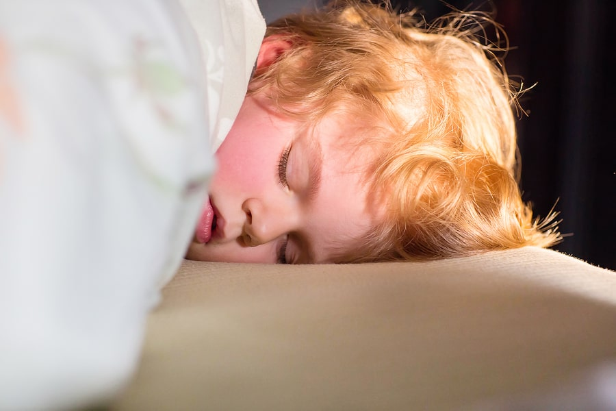 Help Your Child to Sleep When Traveling