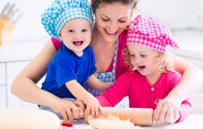 Dr Dina Kulik, Kids Health Blog - baking with toddlers