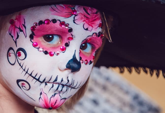 Hygiene Tips for Using Halloween Makeup